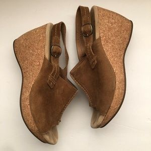Clarks Size 9.5 Tan Suede Leather Wedges Slingback